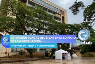 RETIRARÁN PLACAS ALUSIVAS EN EL EDIFICIO DE LA GOBERNACIÓN